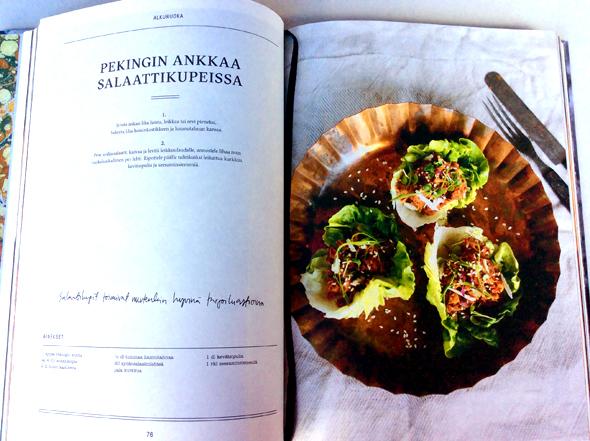 Pekinginankkaa salaattikupeissa -resepti Björckin kirjassa