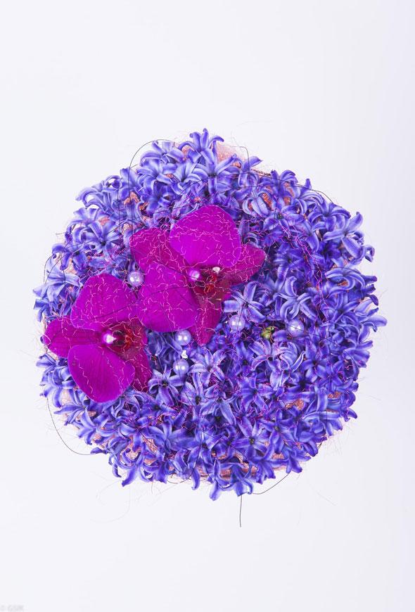 Violetti kimppu