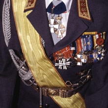 tumma puku kunniamerkit Rauma