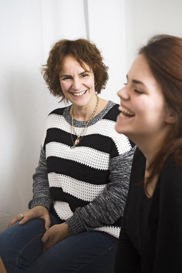 Anne ja Demi Auloksella on läheiset välit, kuva: Mirva Kakko, copyright: Otavamedia