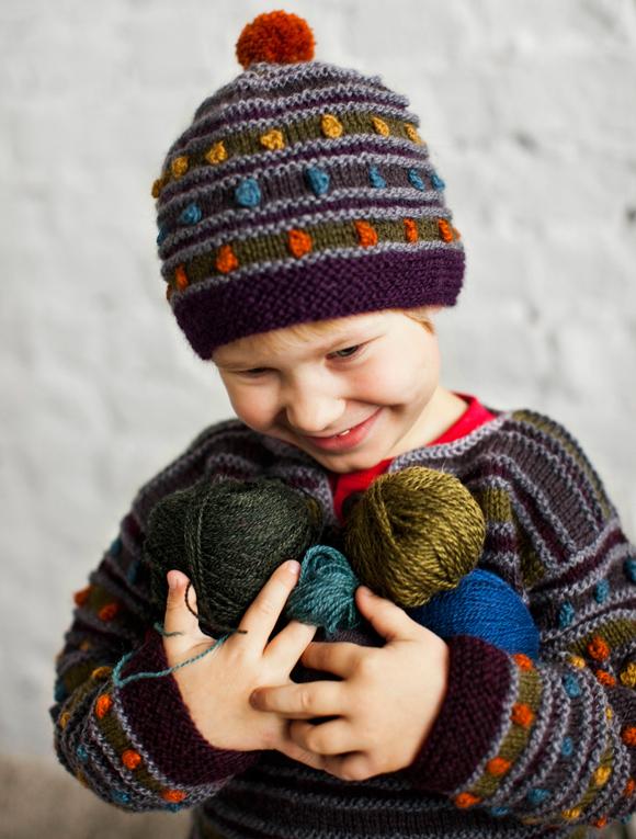 Lasten villapaita raglanhihoilla ja raidoilla sopii sekä tytöille että pojille – ota ohje talteen!