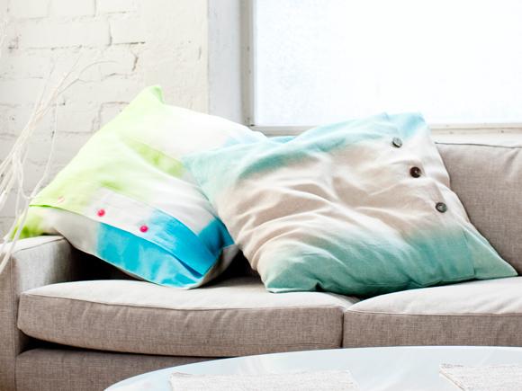 Kuva - Tee itse liukuvärjätyt tyynyliinat
