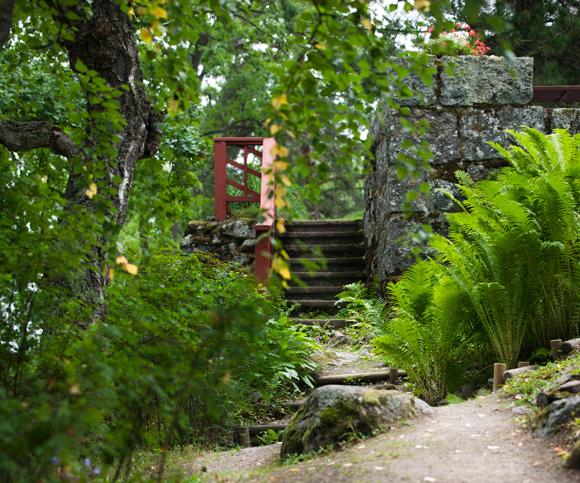 Kuva - Luo varjopaikkoja puutarhaan