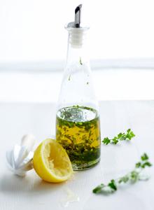 Salaatinkastike öljy