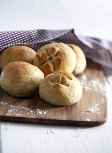 Kuva - Lämmin leipä palkitsee leipojan