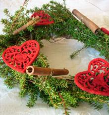 Kuva - Askartele joulukranssi metsän antimista
