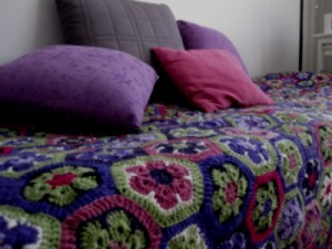Virkattu sängynpeitto