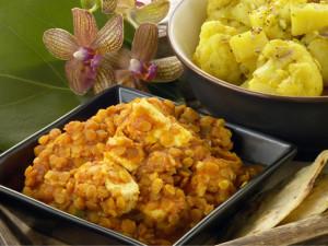 intialainen linssi-juustopata