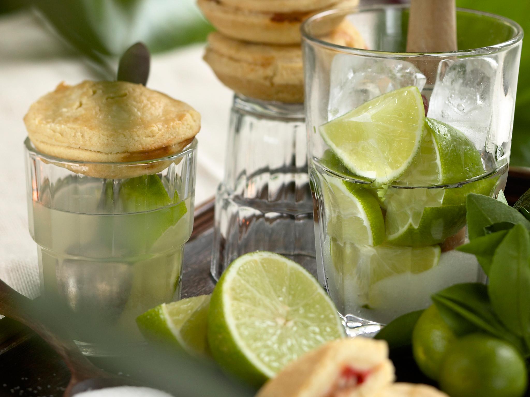 Caipirinha-limetticocktail tai drinkki
