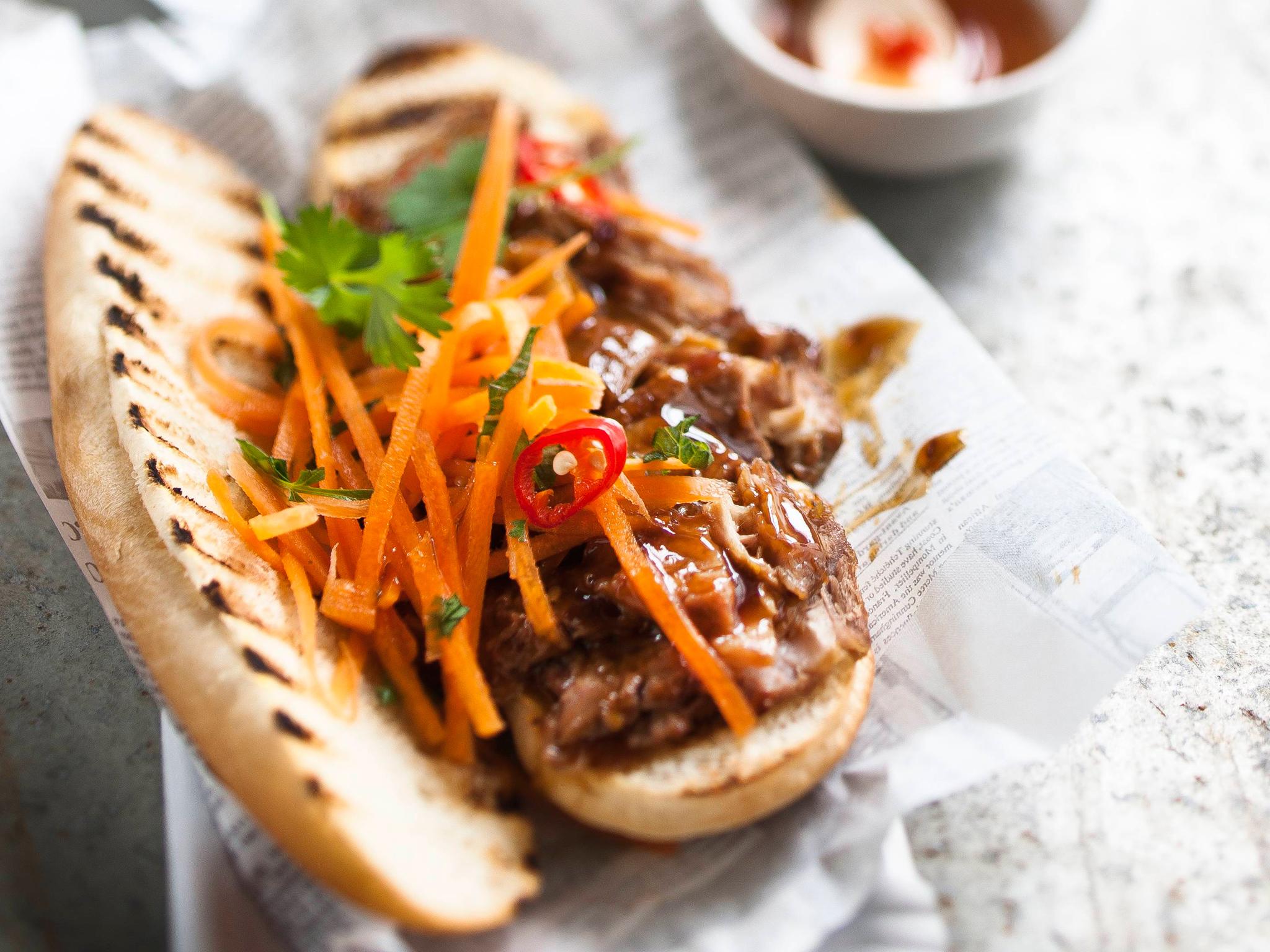 Aasialaiset hot dogit eli hodarit