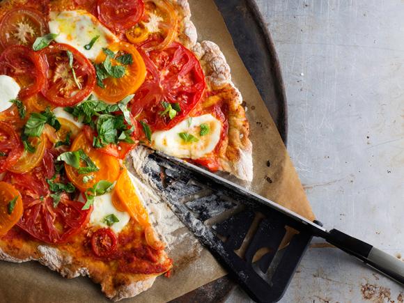 tomaattikastike pizzaan