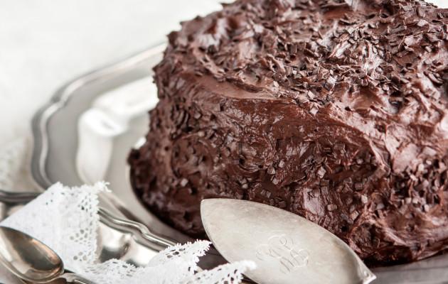 Suklaatäytekakku