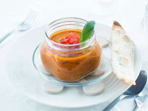 Mausteinen tomaattikeitto