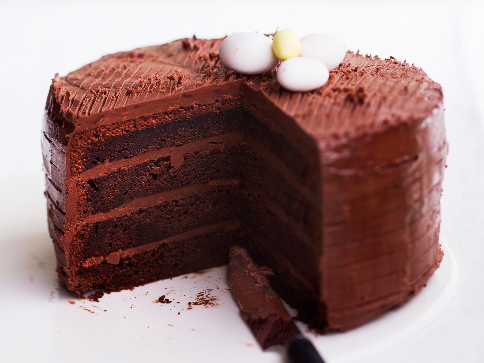 suklaamoussetäytekakku