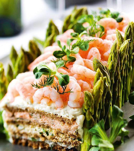 kalaisa voileipäkakku