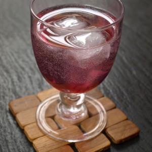 alkoholiton grenadiinidrinkki