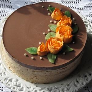 suklainen kinuskijuustokakku